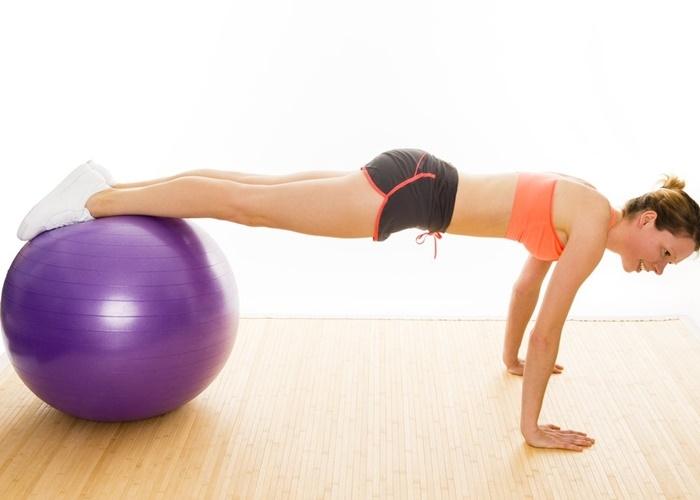 Flexiones fitball