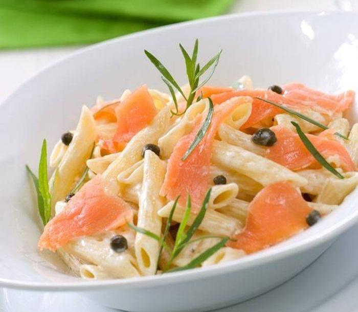ensalada-de-pasta-y-salmon