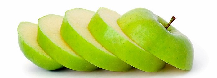Manzana verde cortada