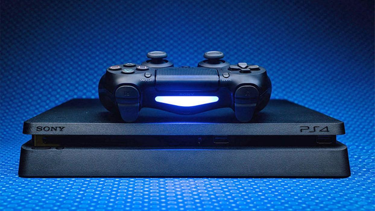 Image des commandes PS4 Slim et DualShock 4
