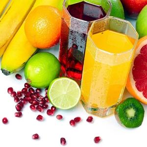 Varios zumos de frutas