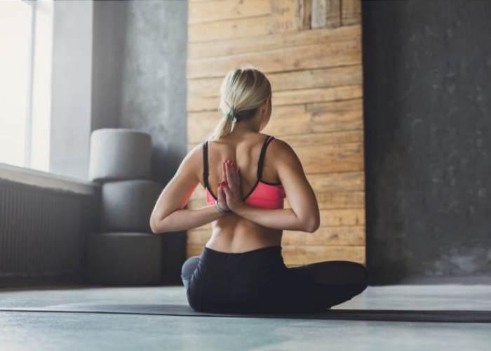 Redressez votre dos avec ces exercices